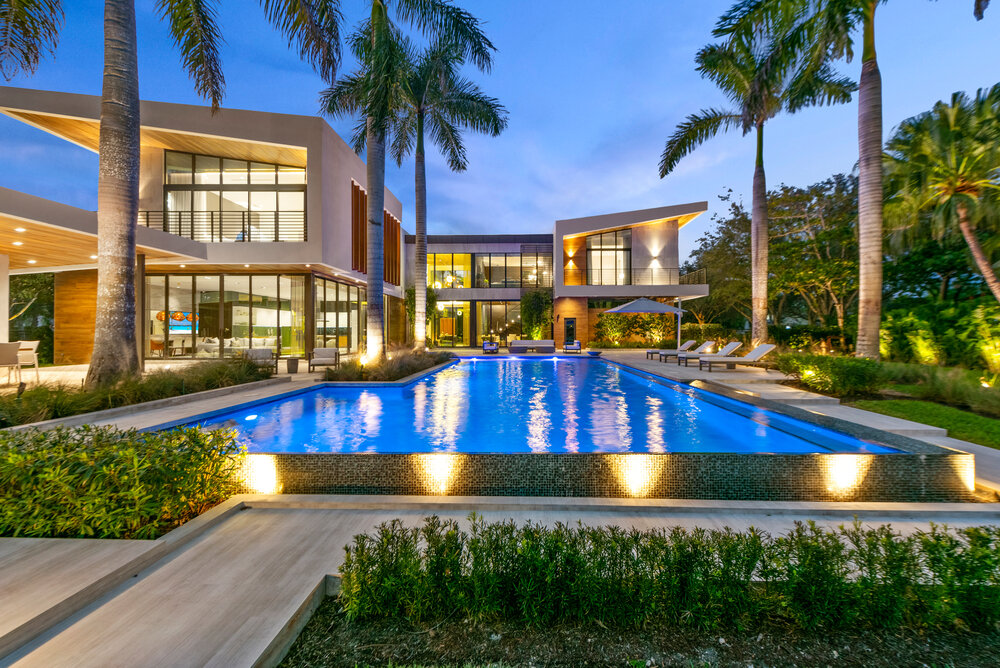 Architectural custom glass in South Florida