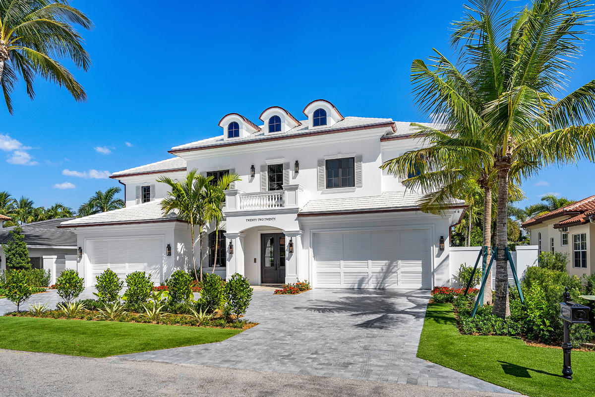 architectural windows on the exterior of a South Florida home