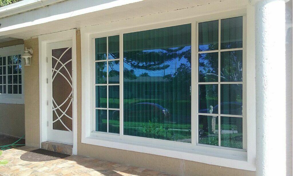 Horizontal Windows custom glass in South Florida